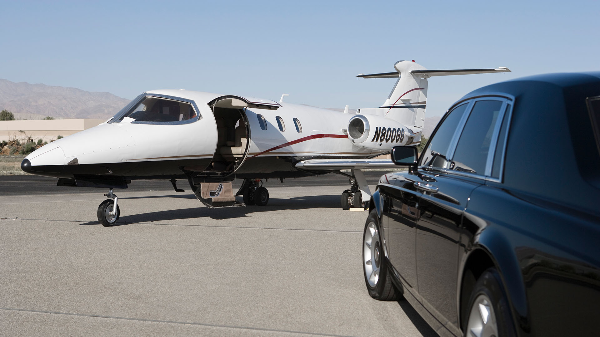 Elite Cars USA LLC Limo Service, Limo Rental and Airport Limo Service